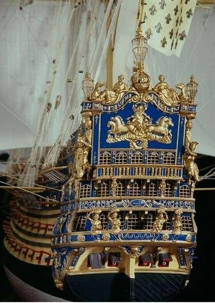 Szczegóły modelu statku Soleil Royal z firmy Heller 80899