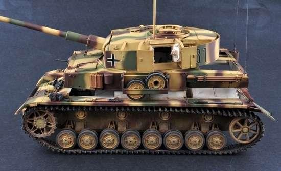 Trumpeter 00922 Pz.Beob.Wg.IV Ausf.J Medium Tank