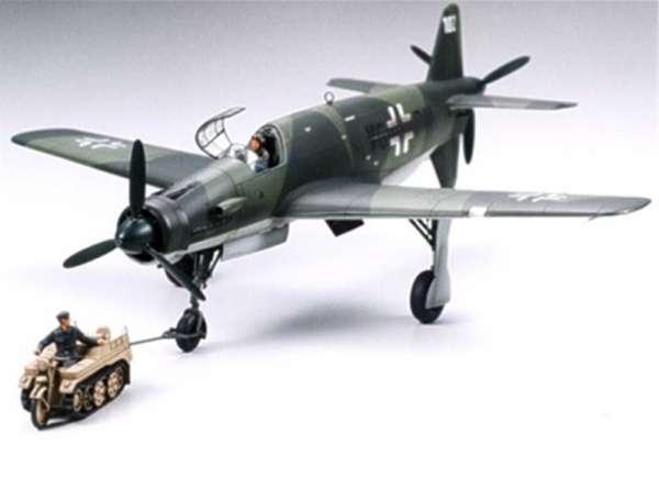 Niemiecki samolot wielozadaniowy Dornier Do335A Pfeil z pojazdem holowniczym, plastikowy model do sklejania Tamiya 89598 w skali 1:48.-image_Tamiya_89598_1