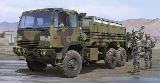 Amerykańska ciężarówka wojskowa M1083 FMTV, plastikowy model do sklejania Trumpeter 01007 w skali 1:35