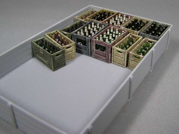 MiniArt 35575 Champagne & cognac bottles with crates