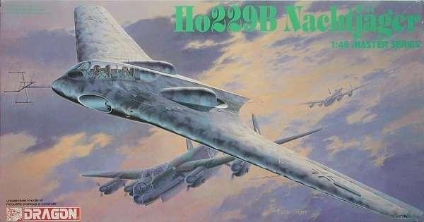 Niemiecki samolot Horten Ho229B typu latające skrzydło, plastikowy model do sklejania Dragon 5511 w skali 1:48