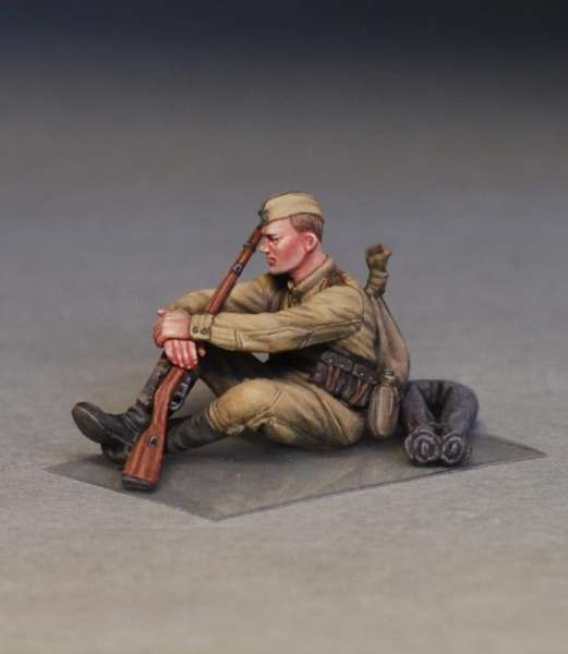 MiniArt 35233 w skali 1:35 - figurki Soviet soldiers taking a break do sklejania - image g