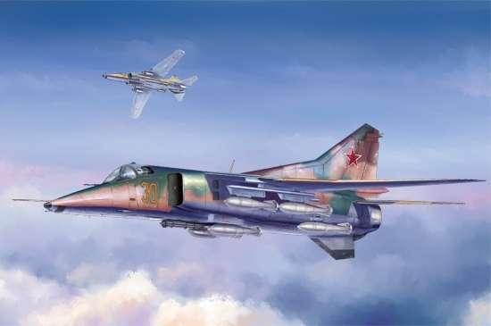 Radziecki myśliwiec bombardujący Mig-27 Flogger D , plastikowy model do sklejania Trumpeter 05802 w skali 1:48