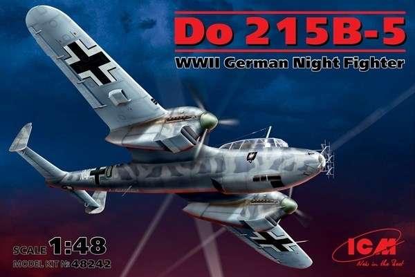 Model niemieckiego nocnego myśliwca Dornier Do 215B-5, plastikowy model do sklejania ICM 48242 w skali 1/48.