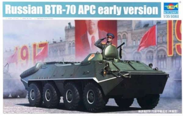 Kołowy transporter opancerzony BTR-70 APC (wersja wczesna), plastikowy model do sklejania Trumpeter 01590 w skali 1:35