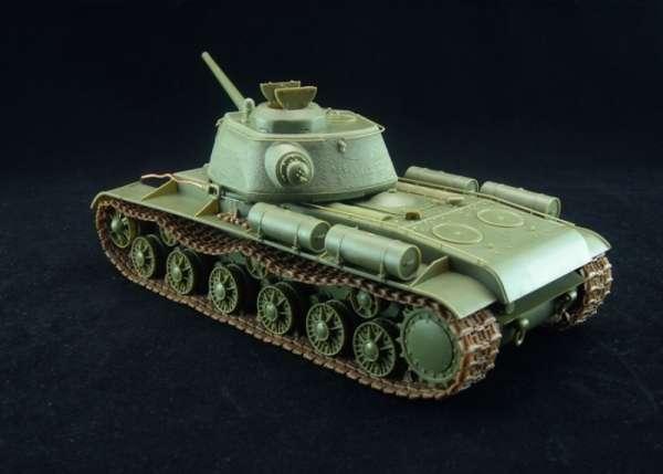 model_do_sklejania_bronco_cb35110_russian_heavy_tank_kv_85_sklep_modelarski_modeledo_image_4