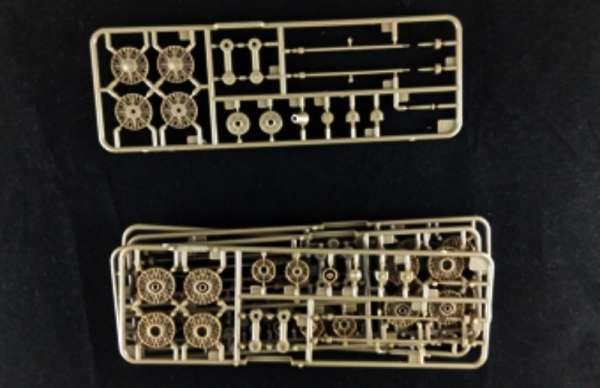 model_do_sklejania_bronco_cb35113_self_propelled_gun_su_152_sklep_modelarski_modeledo_image_9