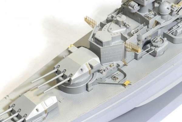 German Battleship Scharnhorst 1943 - Dragon 1040, foto b