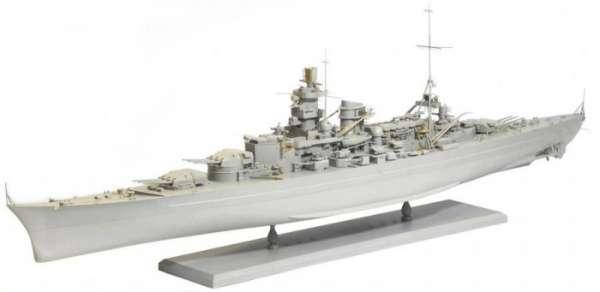 German Battleship Scharnhorst 1943 - Dragon 1040, foto e