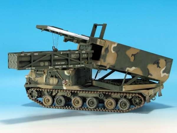 Dragon 3557 w skali 1/35 - image a - model M270A1 MLRS