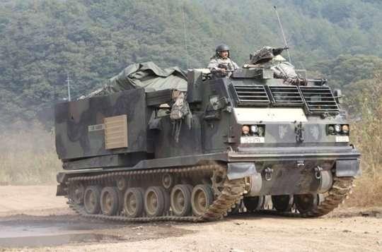 Dragon 3557 w skali 1/35 - image e - model M270A1 MLRS
