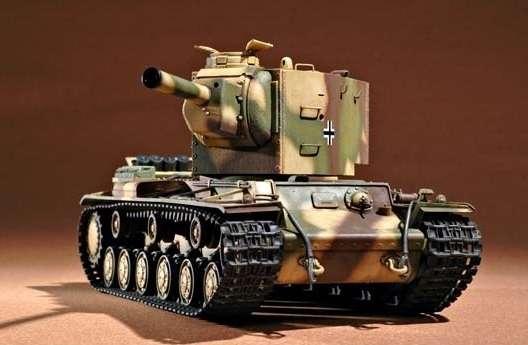Czołg KW-2 do sklejania-image_Trumpeter_00367_2