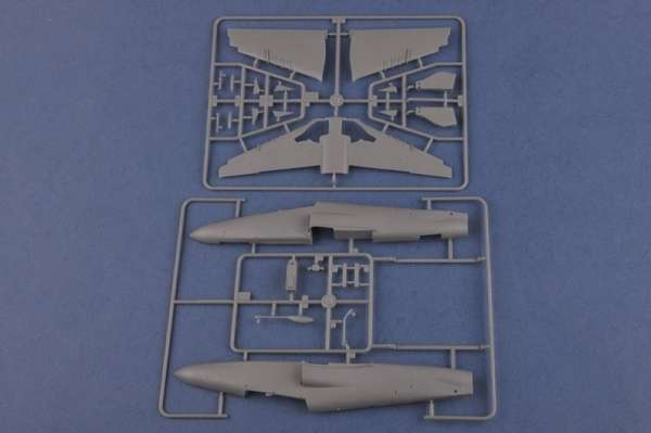 Hobby Boss 81737 Samolot Hawk mk. 200/208/209