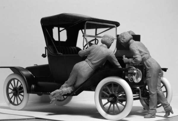 ICM 24009 w skali 1:24 - American Mechanics 1910s - image a
