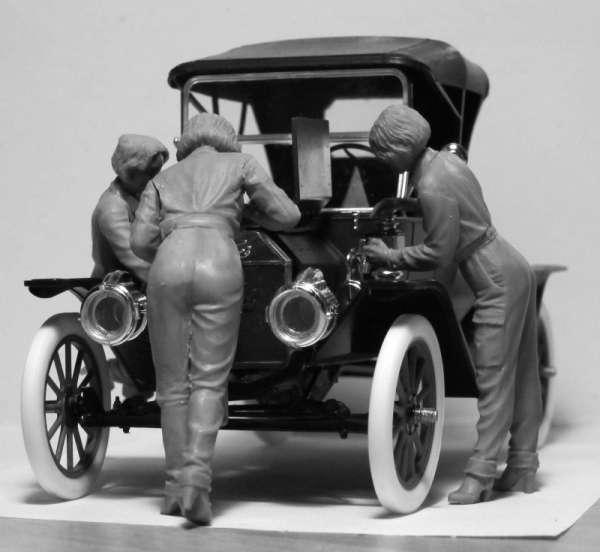 ICM 24009 w skali 1:24 - American Mechanics 1910s - image f