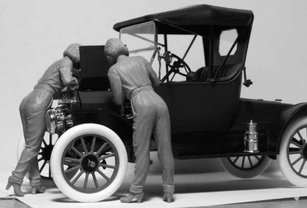 ICM 24009 w skali 1:24 - American Mechanics 1910s - image e