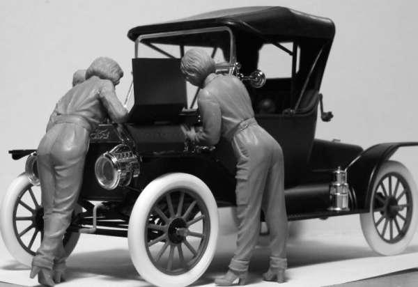ICM 24009 w skali 1:24 - American Mechanics 1910s - image b