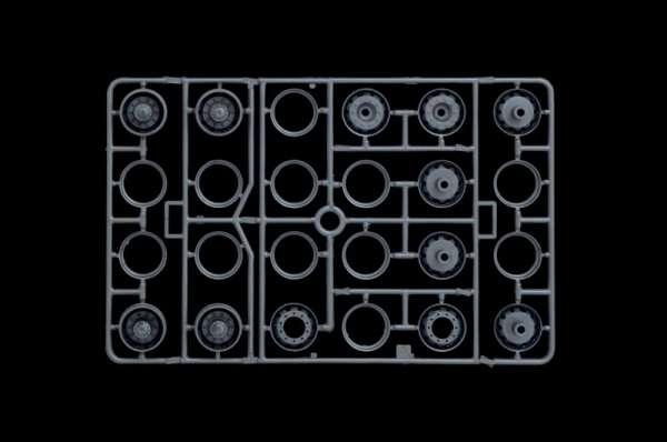 Italeri_3902_Berliet_R352ch_Renault_R360_modeledo.pl_image_10-image_Italeri_3902_3