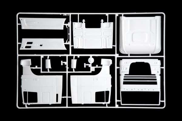 Model ciężarówki z naczepą Daf XF105 w/Maritime w skali 1:24 model Italeri 3920 ita3920_image_5-image_Italeri_3920_3