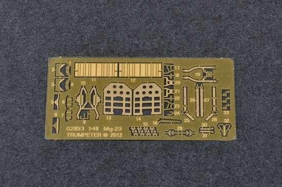 Model Trumpeter 05802 Mig-27 Flogger D