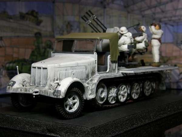 Tamiya 35050 German 8-Ton Half-Track Sd.Kfz.7/1