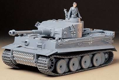 Tamiya 35216 w skali 1:35 - model German tank Tiger I early production - image a