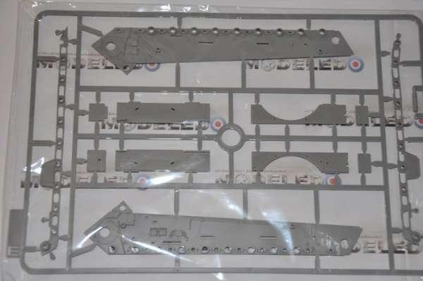 Model Takom 2073 w skali 1:35 - image j - King Tiger Henschel Turret w / interior