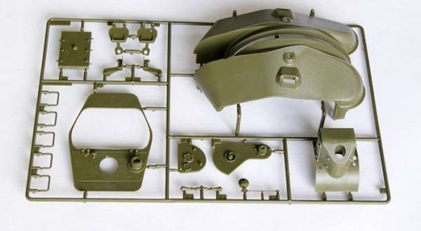 Trumpeter 00905 w skali 1:16 - model Soviet Tank T-34/76 Model 1942 - image f