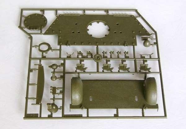 Trumpeter 00905 w skali 1:16 - model Soviet Tank T-34/76 Model 1942 - image e