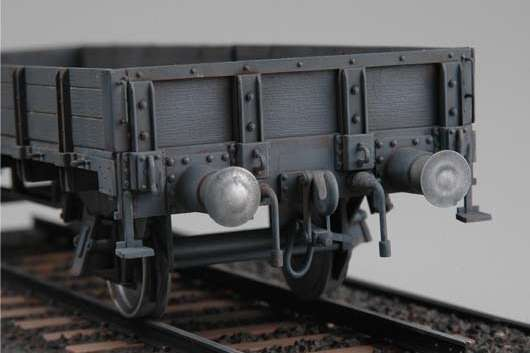 German railway gondola  lower sides model_trumpeter_tru01518_image_5-image_Trumpeter_01518_2