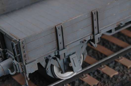 German railway gondola  lower sides model_trumpeter_tru01518_image_3-image_Trumpeter_01518_2