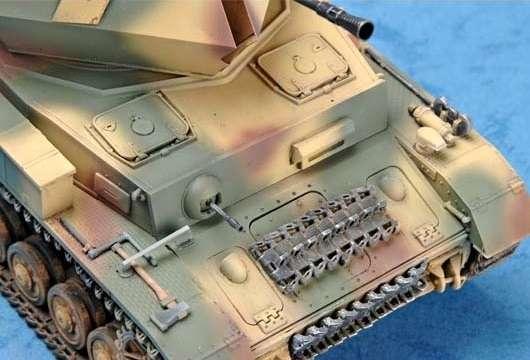 German 3.7cm Flak 43 Flakpanzer IV Ostwind model Trumpeter 01520 - model_tru01520_image_4-image_Trumpeter_01520_2