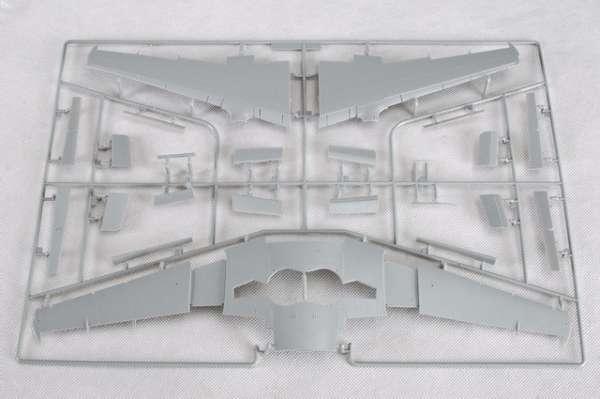 Myśliwiec Messerschmitt Me262 A-2a model_do_sklejania_trumpeter_02236_image_15-image_Trumpeter_02236_3