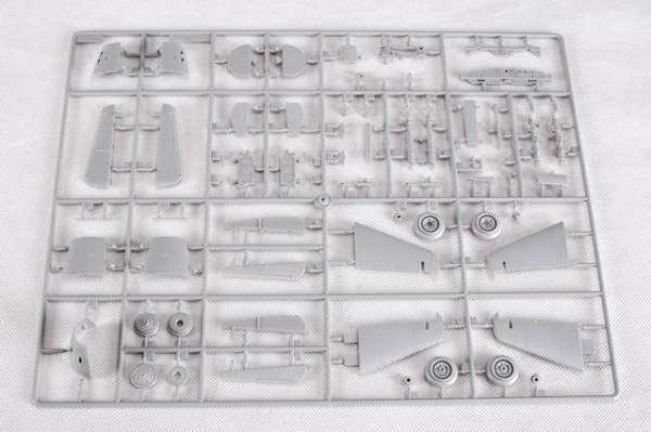 Myśliwiec Messerschmitt Me262 A-2a model_do_sklejania_trumpeter_02236_image_16-image_Trumpeter_02236_3