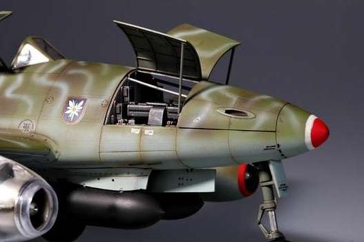 Myśliwiec Messerschmitt Me262 A-2a model_do_sklejania_trumpeter_02236_image_2-image_Trumpeter_02236_2