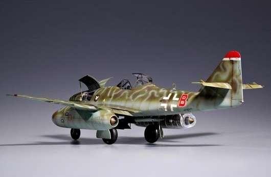 Myśliwiec Messerschmitt Me262 A-2a model_do_sklejania_trumpeter_02236_image_8-image_Trumpeter_02236_2