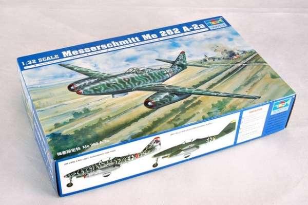 Myśliwiec Messerschmitt Me262 A-2a model_do_sklejania_trumpeter_02236_image_11-image_Trumpeter_02236_3