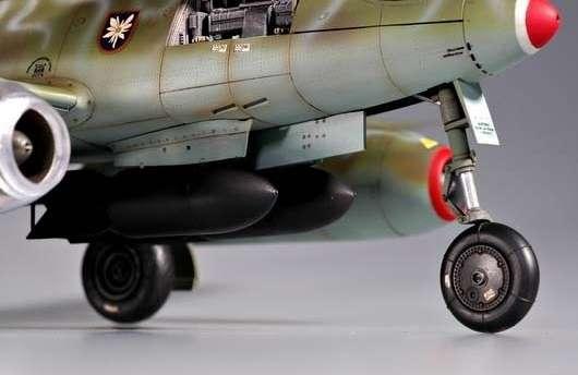 Myśliwiec Messerschmitt Me262 A-2a model_do_sklejania_trumpeter_02236_image_6-image_Trumpeter_02236_2