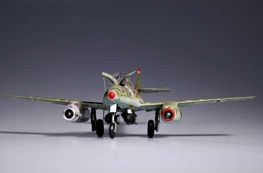 Myśliwiec Messerschmitt Me262 A-2a model_do_sklejania_trumpeter_02236_image_7-image_Trumpeter_02236_2
