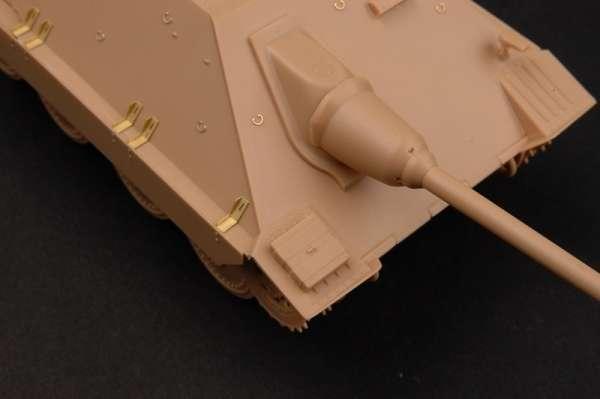 German Jagdpanzer 38(t) Starr - Hetzer model_trumpeter_tru05524_image_14