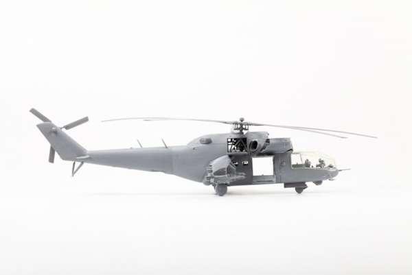 Helikopter do sklejania MIL MI-24A Hind model_zvezda_7273_scale_1_72_image_2-image_Zvezda_7273_3