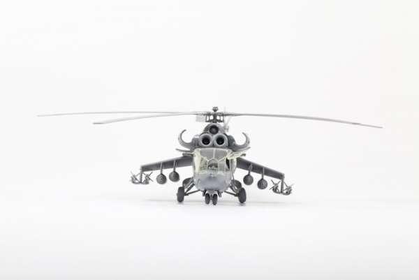 Helikopter do sklejania MIL MI-24A Hind model_zvezda_7273_scale_1_72_image_5