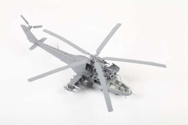 Helikopter do sklejania MIL MI-24A Hind model_zvezda_7273_scale_1_72_image_3