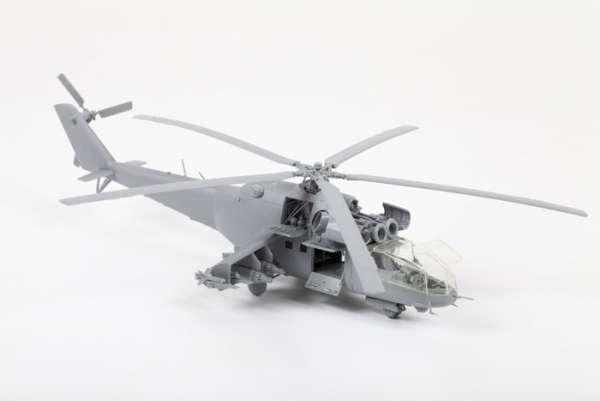 Helikopter do sklejania MIL MI-24A Hind model_zvezda_7273_scale_1_72_image_1-image_Zvezda_7273_2