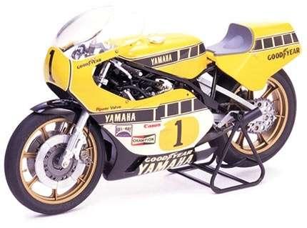 Japoński motocykl Yamaha YZR 500 Grand Prix Racer, plastikowy model do sklejania Tamiya 14001 w skali 1:12