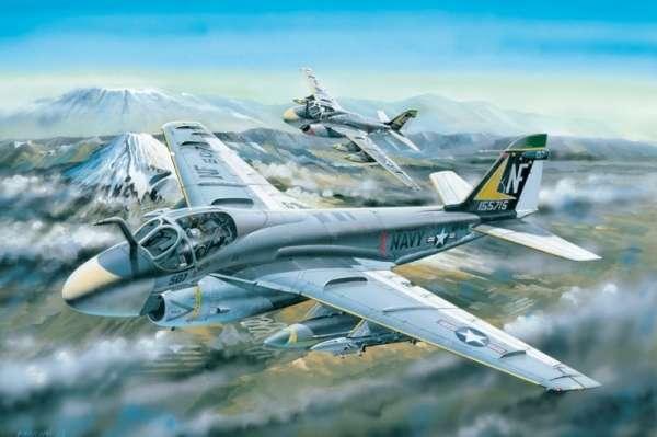 plastikowy_model_samolotu_grumman_a_6a_intruder_hobby_boss_81708_image_1