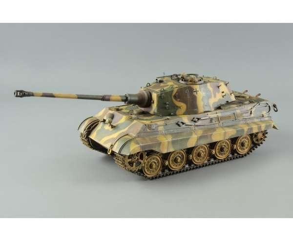 Sklejony model niemieckiego czołgu Tygrys Królewski w skali 1:35 od firmy Eduard