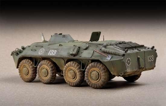 Rosyjski transporter opancerzony BTR-70 APC , plastikowy model do sklejania Trumpeter 07137 w skali 1:72