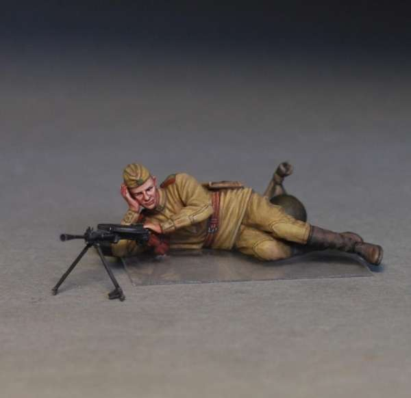 MiniArt 35233 w skali 1:35 - figurki Soviet soldiers taking a break do sklejania - image o